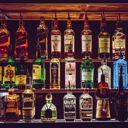 Smag på en god drink i det fri